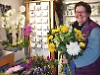 Florist offers 21 free bouquets to community heroes