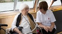 Tea and river cruise for elderly residents