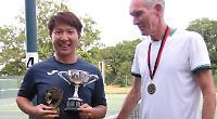 Salinas and Lau win Caversham singles crowns