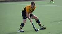 Riches shines as Henley get off to winning start