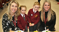 Children celebrate US holiday with mums