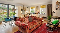 Open-plan living a stone's throw away from Henley town centre