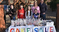 Family's cake sale in aid of food bank raises £400