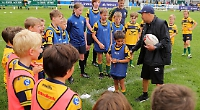 England head coach gives hints and tips to club's junior players