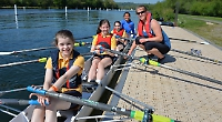 Schoolgirls give sculling a go with help from former pupil