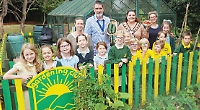 Pupils thank Mayor with gift of produce