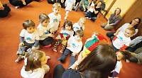 We're specialists in teaching music through play