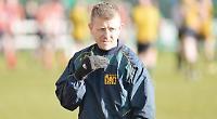 Davies steps down as Hawks head coach