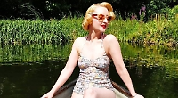 Vintage fashion fan aims to be top pin-up
