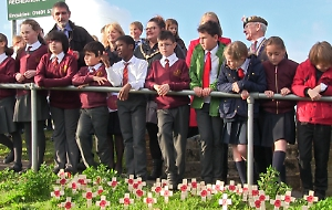 VIDEO: Henley children honour war dead